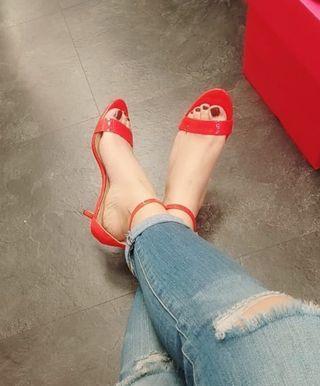 Nine West 副牌 ENZO ANGIOLINI 紅色低跟涼鞋