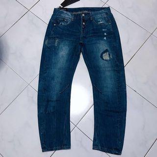 🚚 Boyfriend Jeans  >  design very nice  <