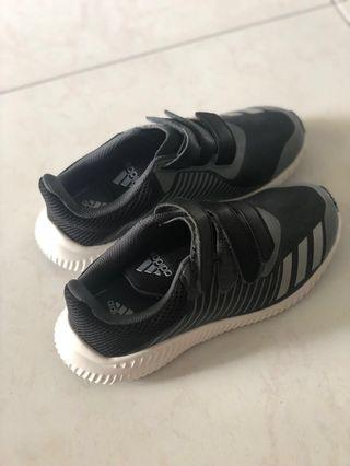 🚚 Authentic Adidas Boys Shoes