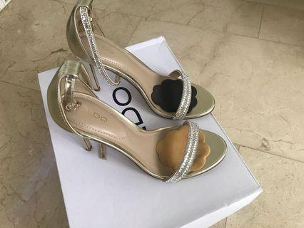 Aldo Party shoes in Eu 36 gold color