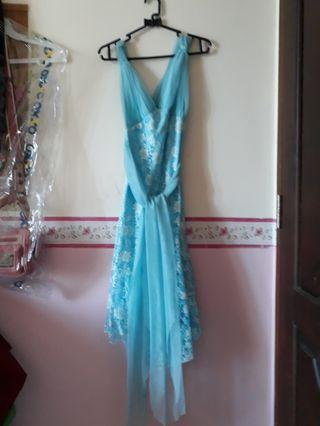 Dress biru rumbai brokat panggung
