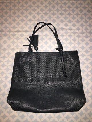 tumi shoulder bag leather