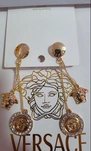 🚚 凡賽斯女王頭耳環