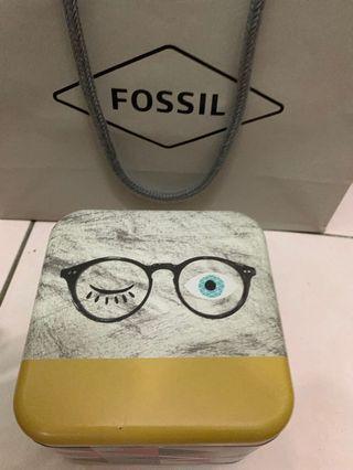 🚚 Fossil Watch Box