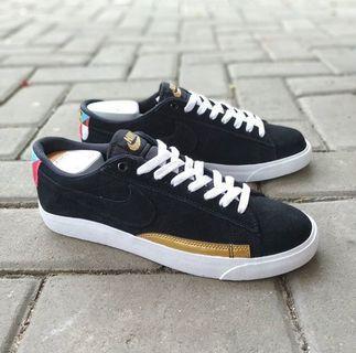 Jual sneaker