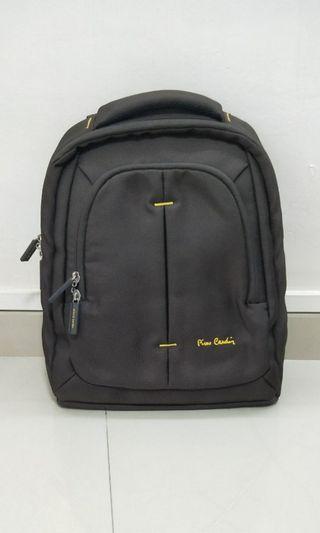 🚚 Authentic Pierre Cardin laptop bag