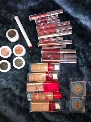 Mega makeup bundle