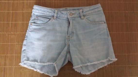 uniqlo 150cm 牛仔短褲