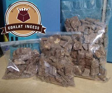 Coklat patahan campuran ( cadbury & silverqueen )
