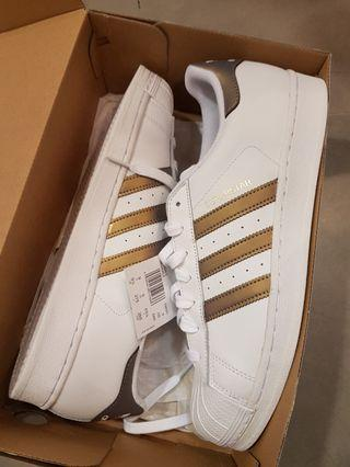 Selling New Adidas Superstar
