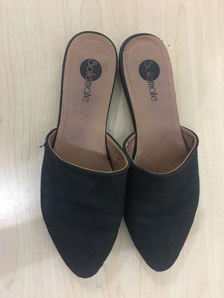 Solemate Black Shoes