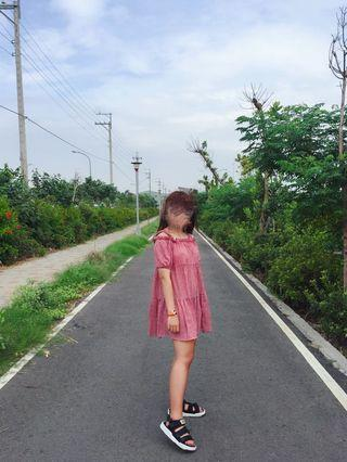 可愛爆了的一字領 格子 洋裝