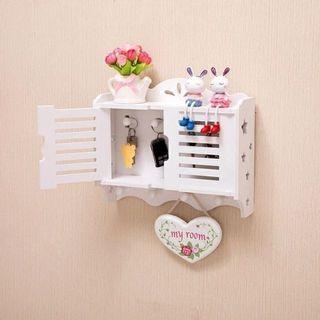 🚚 牆上置物架掛鈎免打孔  客廳裝飾架牆壁掛鑰匙收納盒整理箱