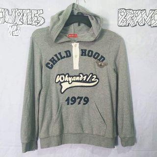 Hoodie why and size m