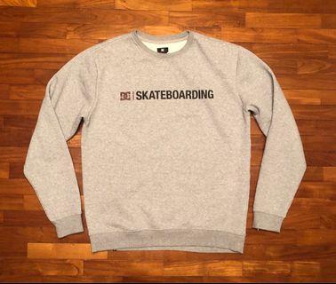 🚚 DC sweater