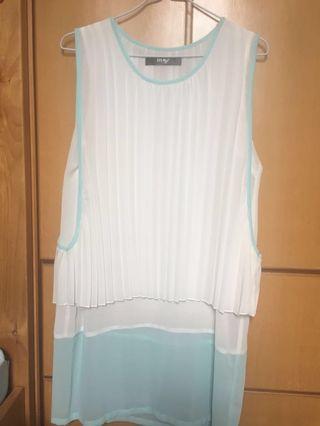 白色雪紡背心洋裝