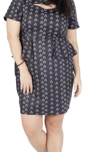 🚚 Voycestas Plus Black Formal Peplum Dress (Plus Size)