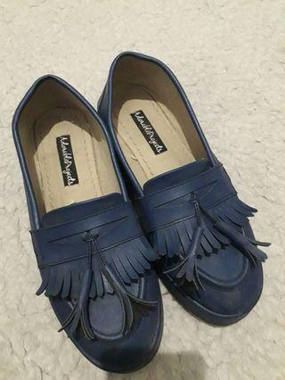 Sepatu navy Adorable project