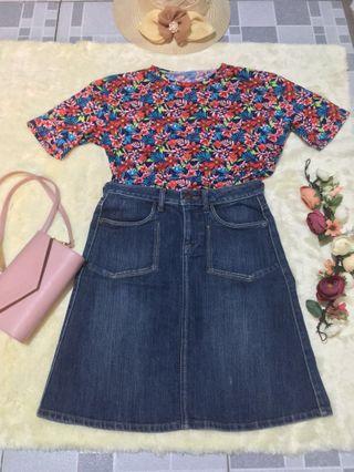 ❗️PRICE REDUCED Floral Semi Croptop