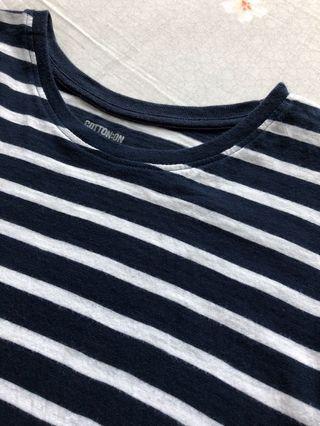 🚚 cotton on navy striped tee