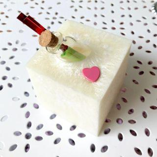Love in a Bottle Scented Wax Sachet Cube