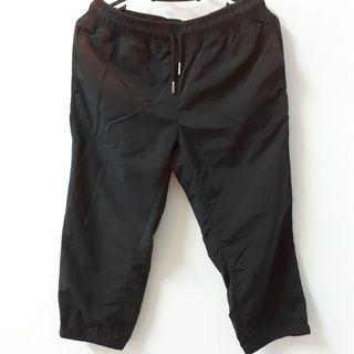 黑色七分休閒運動褲
