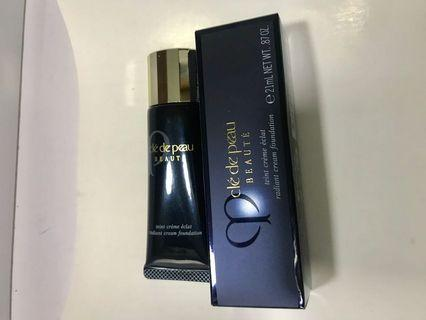 Cle De Peau Radiant Cream Foundation I10