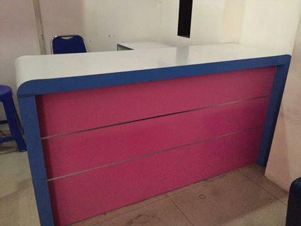 1 set meja (meja utama, laci bawah, meja samping)