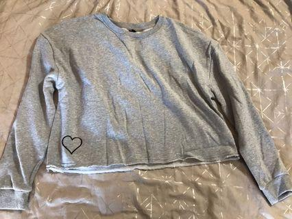 Grey crop jumper L