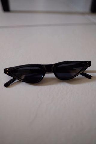 Black cat eye shades
