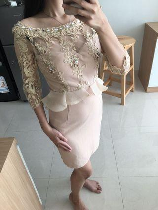 Gold gown / dress pesta / champagne gold