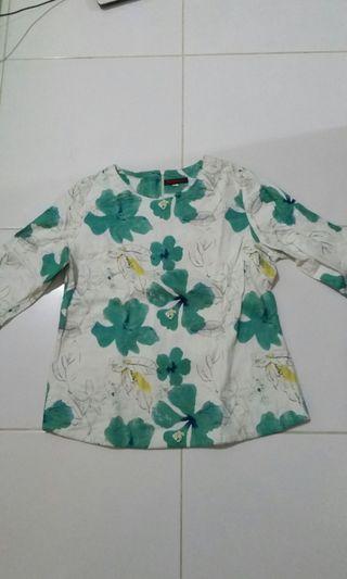 Baju Motif Bunga Tosca