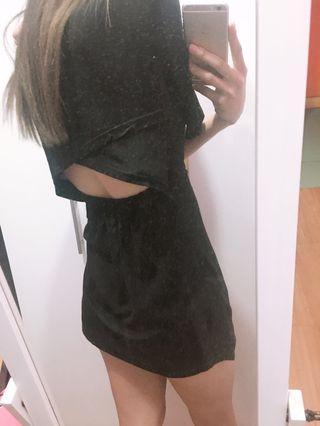 🚚 寬袖小露背短洋裝