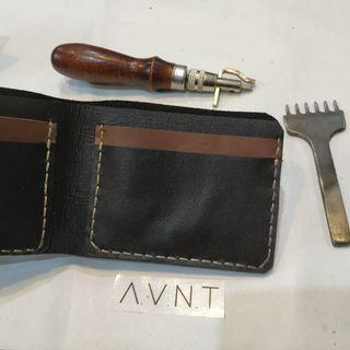Dompet kulit asli pria Bifold A.V.N.T