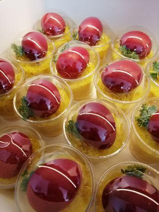 Pulut kuning with egg cup dome shape