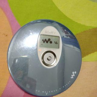 SONY D-NE800 CD WALKMAN 正常可用(不包電池)送USB電源線一條