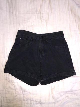 🚚 black high waist denim shorts