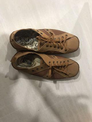 🚚 Scholl shoes
