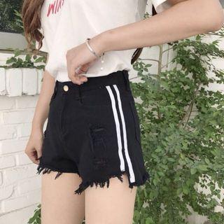 🚚 Black Striped Ripped Shorts