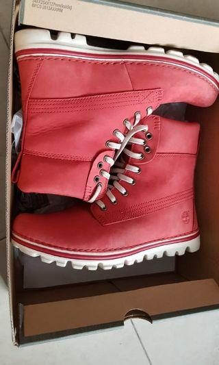 Timberland High cut female boots