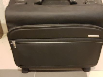 🚚 Delsey Pilot briefcase Luggage