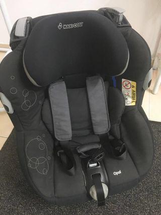 Car Seat - Maxi Cosi Opal