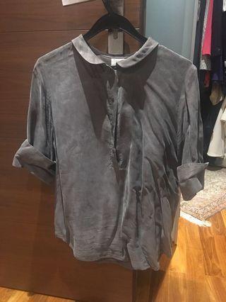 🚚 Grey silk Top