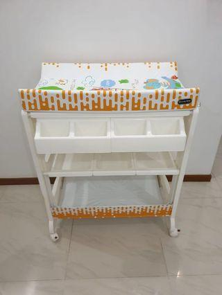 Lucky Baby Bathing Station