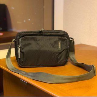 AMERICAN TOURISTER sling bag grey gray polyester tas selempang abu-abu