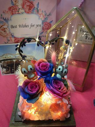 🚚 Enchanted Rose Dome with figurine