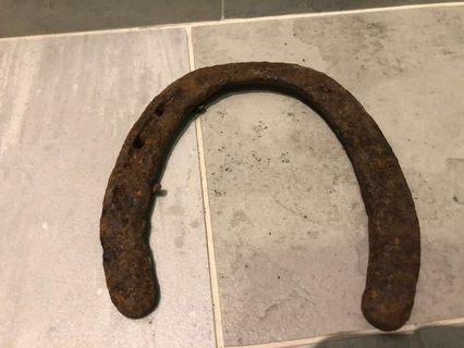 Vintage lhorseshoe