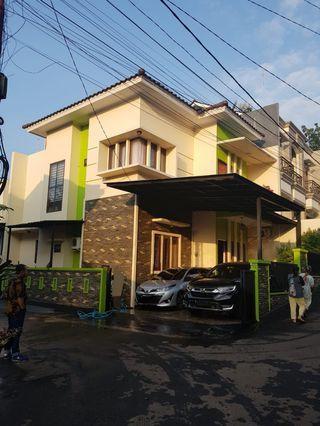 Rumah Bagus 2 lantai dalam Cluster Lokasi Jl. Joe,  Jagakarsa. Jaksel