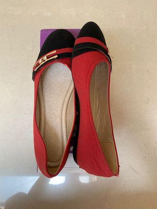 Red Flat Shoes / red shoes / flat shoes