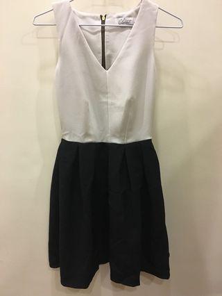 🚚 黑白V領洋裝